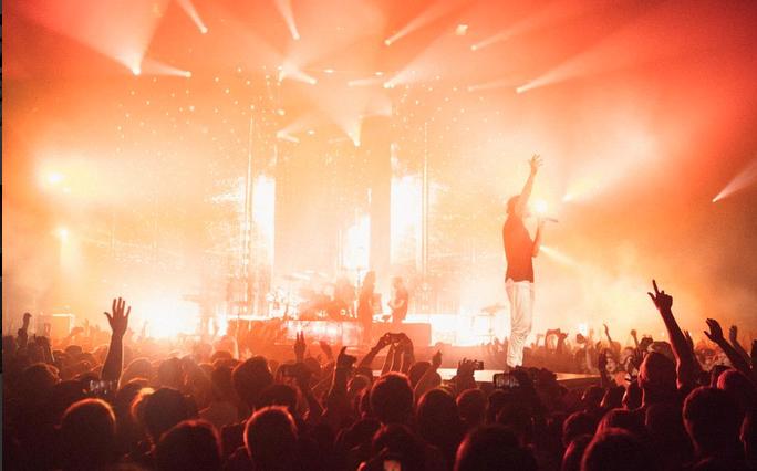 คอนเสิร์ต Imagine Dragons ที่บอสตัน Sold Out พร้อมทวีตข้อความถึงเด็กหญิงผู้ป่วยโรคมะเร็งอย่างซาบซึ้ง!