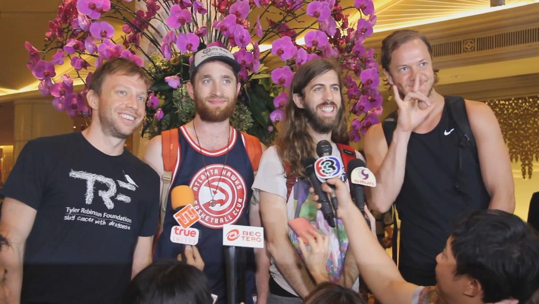 (ชมคลิป) Imagine Dragons ให้สัมภาษณ์ถึงแฟนๆชาวไทย เตรียมร็อคเต็มเหนี่ยวใน Smoke+Mirrors Tour คืนนี้!