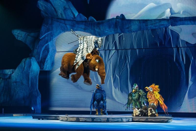 ไอซ์ เอจ ไลฟ์!  สร้างสรรค์โดยผู้กำกับ และทีมงานคุณภาพจาก เซิร์ค ดู โซเลย์ (Cirque du Soleil)