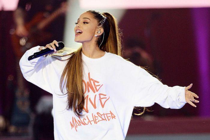 Ariana Grande นำทัพศิลปินชื่อดังระดับโลกร่วมงานคอนเสิร์ตการกุศล One Love Manchester ประสบความสำเร็จอย่างสวยงาม