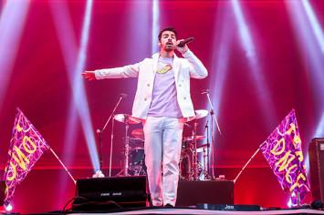 """ดีเอ็นซีอี – เซกาอิ โนะ โอวาริ – แนช แท็คทีมเสิร์ฟสุดยอดความมันส์ให้แฟนเพลงชาวไทยเต็มอิ่ม  ในงาน """"ซาวด์บ็อกซ์"""""""